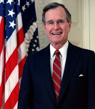 Clique na imagem para uma versão maior  Nome:         1200px-George_H._W._Bush,_President_of_the_United_States,_1989_official_portrait.jpg Visualizações:1 Tamanho: 90,9 KB ID:      34775