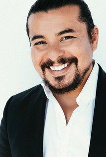 Clique na imagem para uma versão maior  Nome:         Jacob Vargas - IMDb.jpg Visualizações:128 Tamanho: 12,5 KB ID:      27956
